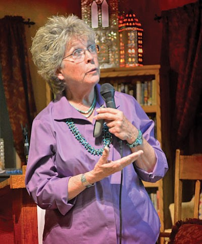 Quilt historian Carolyn Davis discusses Hopi quilts at La Posada Hotel in Winslow Feb. 21. Photo/Todd Roth