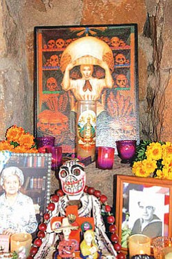 An ofrenda (altar) at last year's Celebraciones de la Gente (Photo by Michele Mountain/MNA).