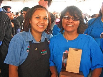 Bashas' Diné Market Pack-Off competitor Adrienne Begay (left) with her biggest supporter—her mother Sherry—at the Phoenix Pack-Off competition.