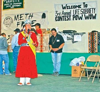 Miss Navajo Nation Jonathea D. Tsowas one of the keynote speakers at the Third Annual LIFE Sobriety Powwow held in Tuba City on March 28-29. Tso spoke on the importance of sobriety and about the dangers of underage drinking and methamphetamine abuse.She also focused on parent responsibility and emphasized the essential and vital importance of traditional and cultural teachings to our children and youth. Standing to her left is Steve Darden of Flagstaff, who was the emcee for the powwow (Photo by Gary Davis).