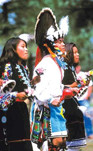 The Nawetsa dance group from Zuni Pueblo performs at the Zuni Festival of Arts and Culture at the Museum of Northern Arizona (Photo courtesy of MNA).