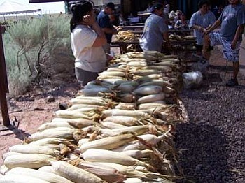 <i>Photo courtesy of Arizona State Parks</i><br> Visitors and participants of the 2007 Suvoyuki Day are invited to partake in a special treat following the morning run— traditional sweet roasted corn.