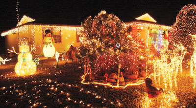 Editorial: Sign up for the Courier Christmas lights contest and become a part of history