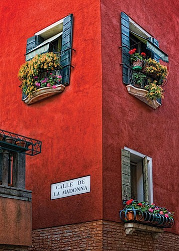 Images by Bob Coates<br> Award-winning photographer Bob Coates of Sedona led 10 photographers through Italy and returned with some award winning shots himself from the streets, canals, piazzas and galleries.