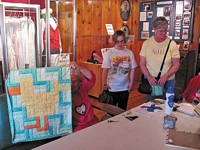 Monday at the Museum - 4/1, 11 am: The Red Rock Quilters welcome all levels of quilters and fabric lovers, guests and travelling quilters.  They will be happy to instruct you in the art of quilting, answer your questions, or just talk about quilting with you.  There is no charge for this demonstration. Admission to the park is $5.Sedona Heritage Museum, Jordan Historical Park, 735 Jordan Road, Sedona. 928-282-7038.