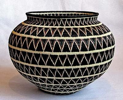 Rainforest Baskets - 6/7, 5 pm: Unveiling new museum-quality baskets from Wounaan Indians of Panama's Darien Rainforest. Turquoise Tortoise Gallery, Hozho, 431 SR 179, Sedona.  928-282-2262, www.turquoisetortoisegallery.com.