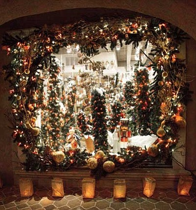 Experience non-stop holiday cheer, Friday and Saturday, Dec. 20 and 21, during Tlaquepaque's new Holiday Sweet Stroll.