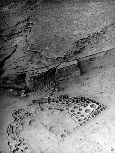 Pueblo Bonito ruin in Chaco Canyon, NM (photo taken by Charles Lindbergh)<br /><br /><!-- 1upcrlf2 -->Image courtesy of Palace of the Governors Photo Archive, Santa Fe, NM