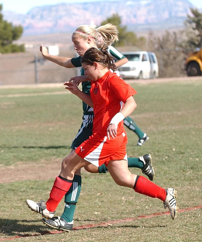 VVN/Wendy Phillippe Drea Duke battles with an Eagle player during Saturday's game.