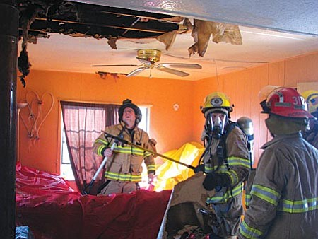 Wood stove fire in mobile home displaces young family - Wood Stove Fire In Mobile Home Displaces Young Family The Verde
