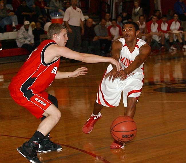 VVN/Wendy Phillippe Brian Jackson passes the ball to a teammate during the game against Bradshaw Mountain Friday night.