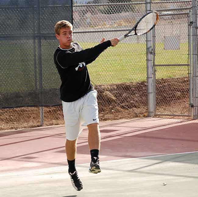VVN/J. Pelletier The Mingus Union boys tennis team battled Greenway on Wednesday at home.