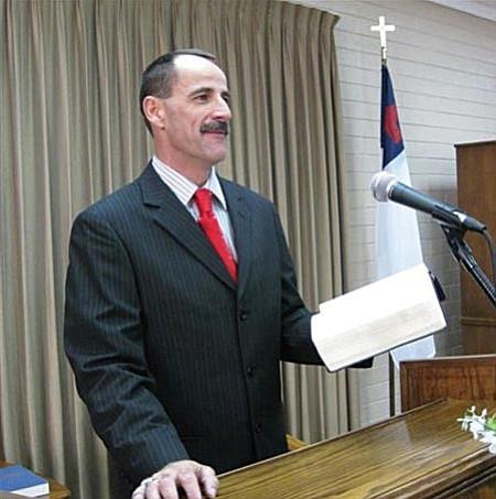 Pastor Fird Becker