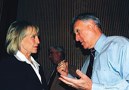 Capitol Media Services photo by Howard Fischer Gov. Jane Hull consults with U.S. Sen. Jon Kyl (R-Ariz.) on the need for more National Guard troops on the border.