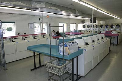 VVN/Philip Wright<br/>Under new ownership, the Super Clean Laundry at 790 S. Main St. in Cottonwood is fully attended and open seven days a week from 7 a.m. to 10 p.m.