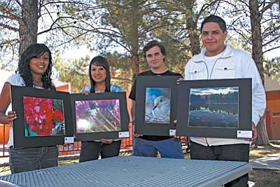 VVN/Philip Wright<br /><br /><!-- 1upcrlf2 -->MUHS photography students, will display between 50 and 60 photographs during October at the Cottonwood Public Library, 100 S. Sixth St. Showing their own work is Maria Colchado, left, Maria Robles, Gregory Lehmann and Jose Bustamante.