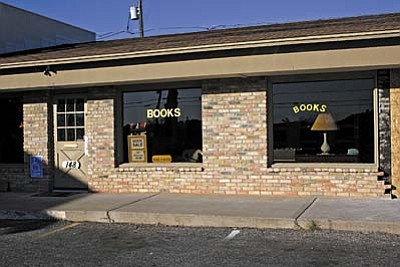 VVN/Philip Wright<br /><br /><!-- 1upcrlf2 -->Hooked on Books, 148 S. Main St. in Cottonwood, is now under new ownership. Larry Wolfe owns and manages the store. He also offers vintage jewelry, jewelry designing and repair and glass cutting.<br /><br /><!-- 1upcrlf2 -->