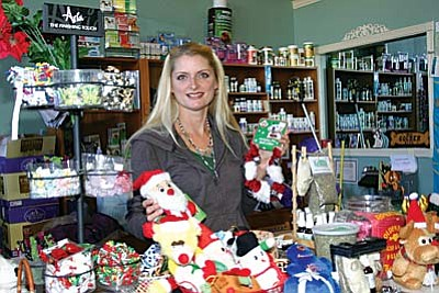 Golden Bone Pet Products part owner Angela Windolph has a great selection of pet supplies and products that will make a thoughtful gift for a pet or pet owner. The store is located at 564 S. Main St. (Wingfield Plaza) in Camp Verde. VVN/Philip Wright