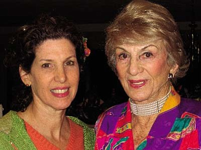 Rabbi Alicia Magal (left) with Holocaust survivor Nika Fleissig, her mother.