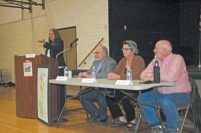 VVN/Philip Wright<br> A candidate forum was sponsored in Clarkdale Wednesday night by the League of Women Voters of Sedona-Verde Valley. Mayoral and council candidates gave statements and answered questions. Moderator was Liz Danbury, left, and candidates are Richard Dehnert, Anita Simgen and Doug Von Gausig. Incumbent council member Pat Williams was absent.
