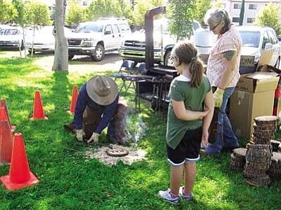 Early Settlers Day in Cottonwood <br /><br /><!-- 1upcrlf2 -->Oct. 6<br /><br /><!-- 1upcrlf2 -->Early Settler's Day is a free event for the public and fun for the whole family at Clemenceau Heritage Museum. This year along with the Old Time Fiddlers there will be a little bluegrass. The High Desert Kickers will be performing throughout the day. Branding, a petting zoo, homemade ice cream, quilting, weaving, beading, woodcarving, these are just a few of the activities. Don't forget to visit the train room, and the gift shop now has post cards of Cottonwood for sale. Free activities from 9 a.m. to 2 p.m. at the corner of Mingus Avenue and Willard.
