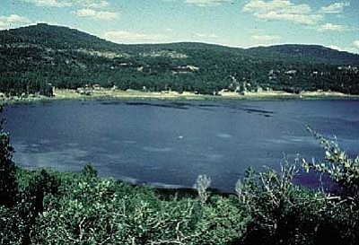 NAU<br /><br /><!-- 1upcrlf2 -->The first European eyes to see the lake are thought to be from an expedition led by Antonio de Espejo, and for a time it bore the name of Chavez, but for many years it has been recognized as Stoneman.