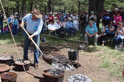 Dutch Oven Cooking Demo, Ranch Explorers Day 2012