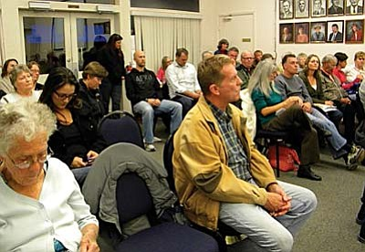 The Cottonwood City Council Chambers were filled to capacity Tuesday during the first reading of the city's proposed civil unions ordinance. VVN/Jon Hutchinson