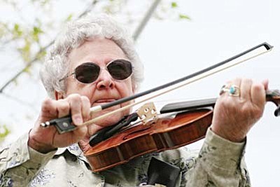 In addition to playing with the Beaver Creek Philharmonic, June Reynolds is an 18-year member of the Arizona Old Time Fiddlers Association. VVN/Bill Helm