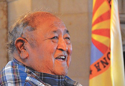 "Photo by Vyto Starinskas<br /><br /><!-- 1upcrlf2 -->Apache Elder Vincent Randall presented ""History of the Apache"" to a packed audience at the Clarkdale Memorial Clubhouse Saturday."