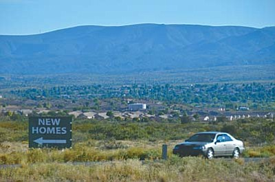 A sign is posted in the general area where the new development of home has been proposed just south of SR 89a and north of the Verde Santa Fe development. VVN/Vyto Starinskas