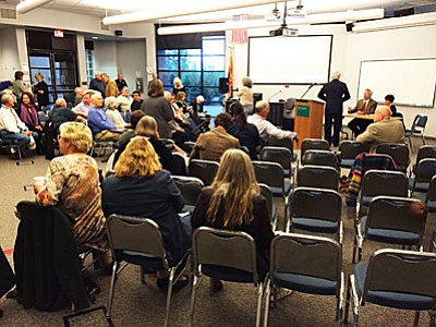 The planned attendance of 130 fell short at the Sedona Town Hall meeting of the Yavapai campus on Wednesday, as seen five minutes before the Verde Valley Board Advisory Committee presentation. (VVN/Tom Tracey)