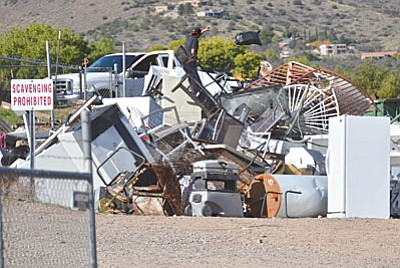 Costs are going up to operate the Cottonwood's solid waste transfer station at the south end of Mingus Avenue, and the city is posting increasing losses each year. This year the losses could reach $76,000. <br /><br /><!-- 1upcrlf2 -->VVN/Vyto Starinskas