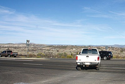 A truck takes a turn at the Wilshire road intersection in Camp Verde. It is the first proposed roundabout west of the 260-freeway overpass. (Photo by Bill Helm/VVN)