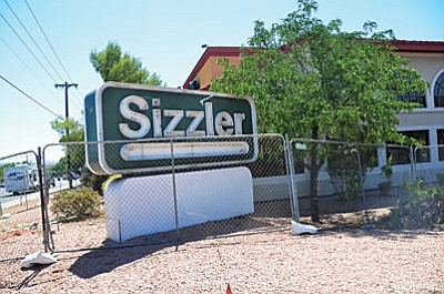 The former Cottonwood Sizzler will become the new home for the Black Bear Diner. (VVN/Vyto Starinskas)