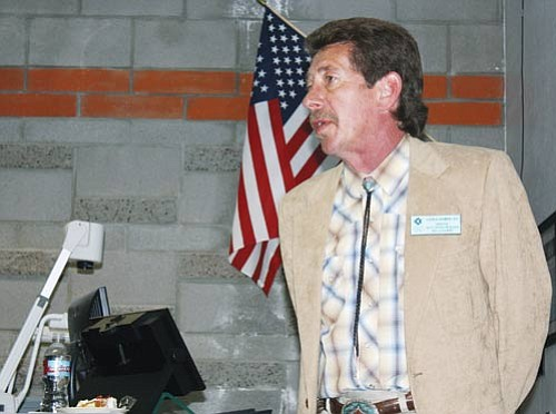 <br>Patrick Whitehurst/WGCN<br> Stephen Chambers, with CCC, speaks to Williams Rotarians April 15 at the Williams CCC campus.