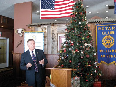 Coconino County Sheriff Bill Pribil discusses county programs for inmates at the Dec. 20 Williams Rotary Meeting. Doug Wells/WGCN