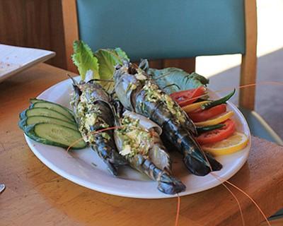 Crazy Thai Buffalo's spicy stuffed shrimp. Wendy Howell/WGCN