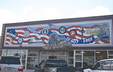 <br>Ryan Williams/WGCN<br> The Grand Canyon American Legion mural on Route 66 in the downtown area.