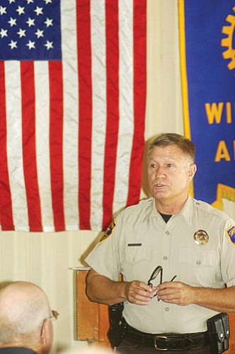 <br>Patrick Whitehurst/WGCN<br> Coconino County Sheriff Bill Pribil speaks to Rotarians during their Sept. 10 meeting.