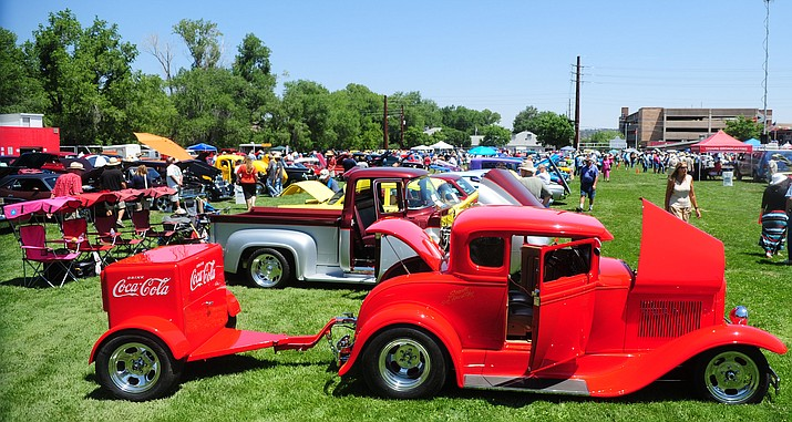 The Yavapai Classic Cruisers car show raises money for Meals on Wheels.