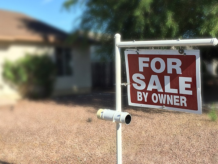 "According to Prescott Valley Police, burglars posing as potential homebuyers have hit several homes with ""for sale by owner"" signs posted in the front yard."