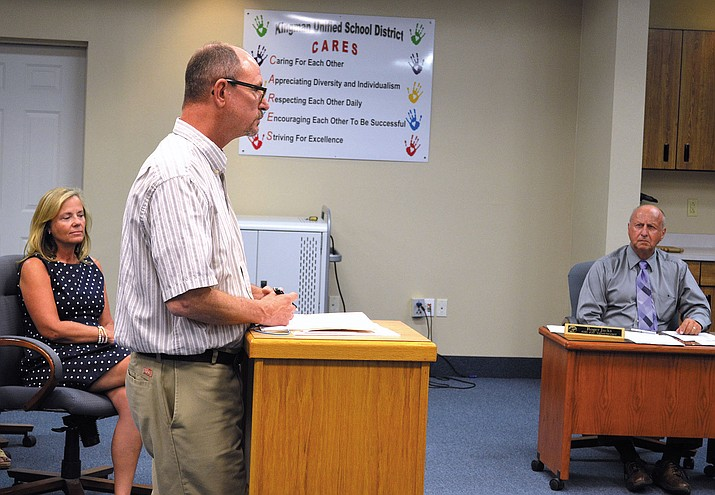 KUSD Procurement Specialist Dave Oder explains contracts to the governing board at Tuesday's meeting.