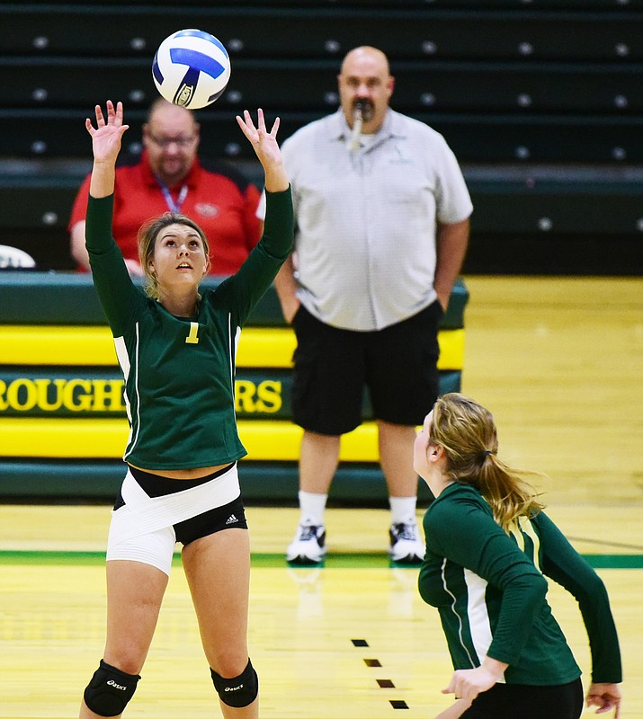 Yavapai College's Jordan Tilley (1) sets the ball during a scrimmage against Embry Riddle August 16, 2016 in Prescott. (Les Stukenberg/The Daily Courier)