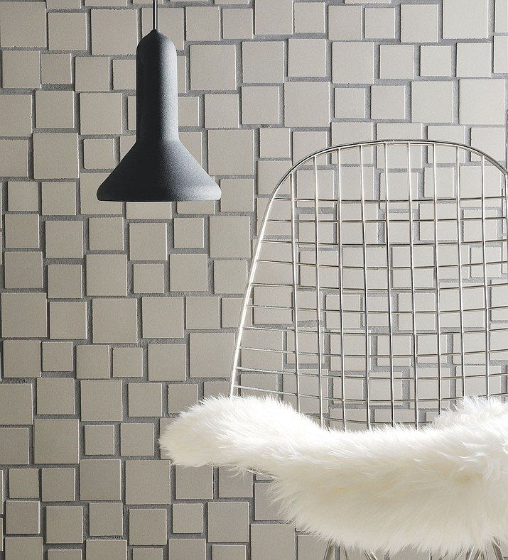 Designer Aki Motoyama's Cloud design softens the grid of some traditional mosaic patterns. Five different porcelain stoneware sizes, available in matte or shiny finish, or mixed, create a flow evocative of a floating cloud.