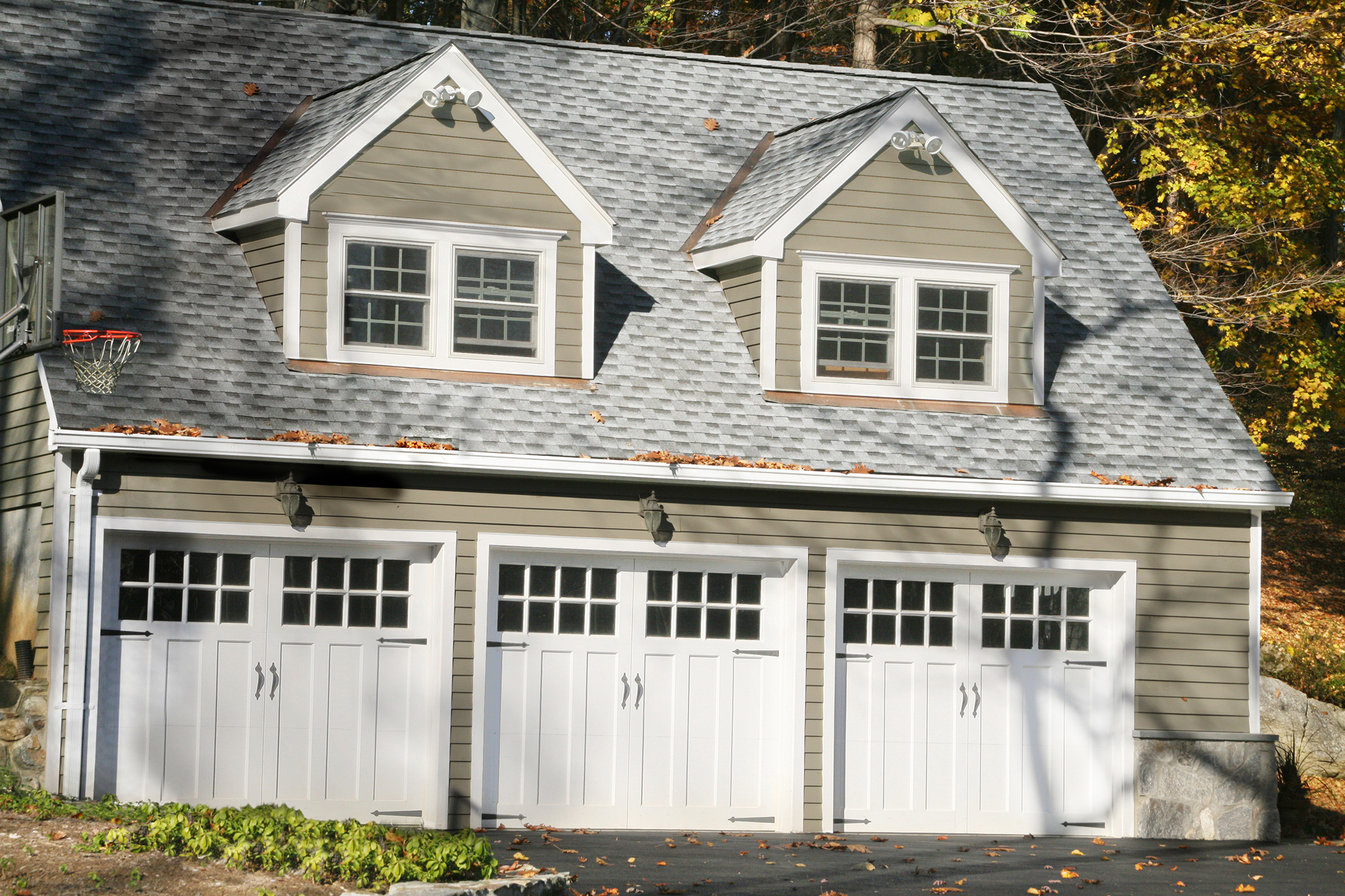 Ask The Contractor: Leave Fixing Garage Door Windows To The Pros | Chino  Valley Review | Chino Valley, AZ