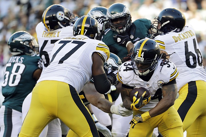 Pittsburgh Steelers' DeAngelo Williams (34) rushes during the first half of an NFL football game against the Philadelphia Eagles, Sunday, Sept. 25, in Philadelphia.