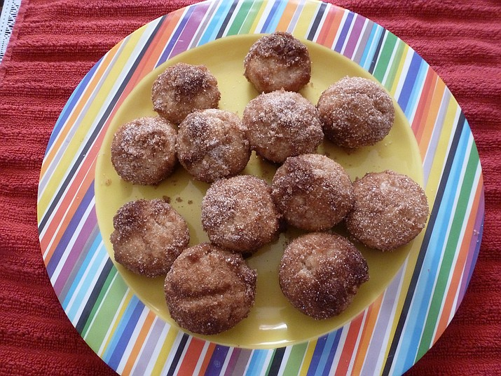 Mini Applesauce Muffins is the Cooking with Diane recipe for Oct. 26, 2016.