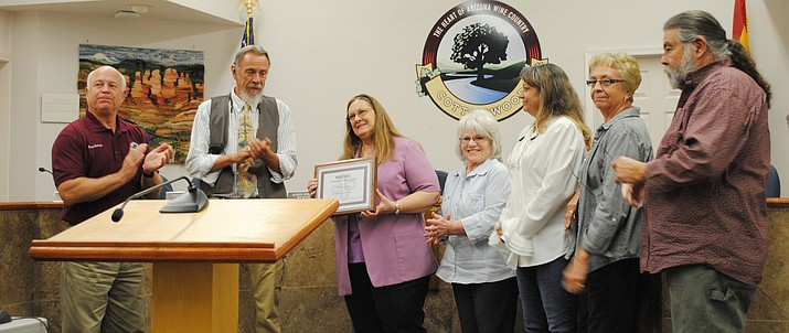 Cottonwood Mayor Diane Joens receives a certificate of appreciation from for her dedicated service Tuesday evening at the City Council Meeting. (VVN/Jennifer Kucich)