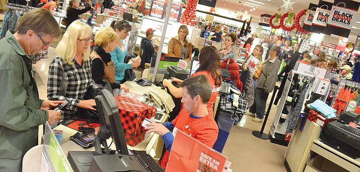 Shoppers flock to the Cottonwood JCPenney for discounts during last year's Black Friday. (VVN/File Photo)